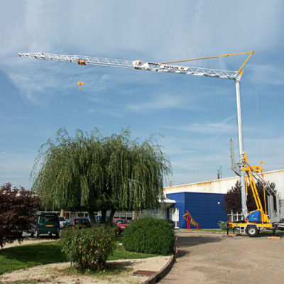 Igo-10-Igo-Self-Erecting-Crane