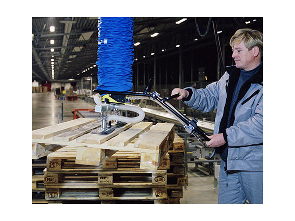 lifting pallets